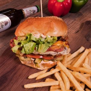 Special roll burger + pommes